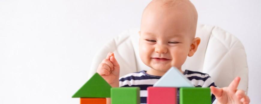 Come pulire i giochi dei neonati?